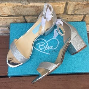 💖Betsey Johnson Ankle strap silver evening sandal